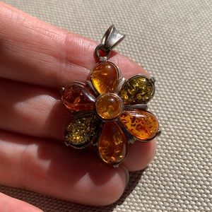 Two color amber flower pendant